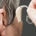 Potíže s nedoslýchavostí vyřeší naslouchátko